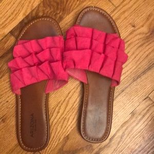 Like new pink sandals!
